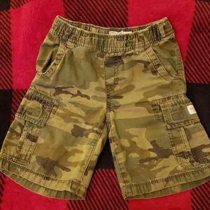 🍁 Camo Cargo Shorts